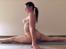 Babe amateur yoga naked gif oldman and