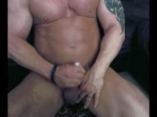 Straight Bodybuilder cums 2031 2