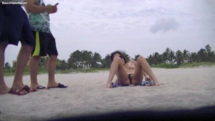 Public Beach Masturbation Porn Gif | Pornhub.com